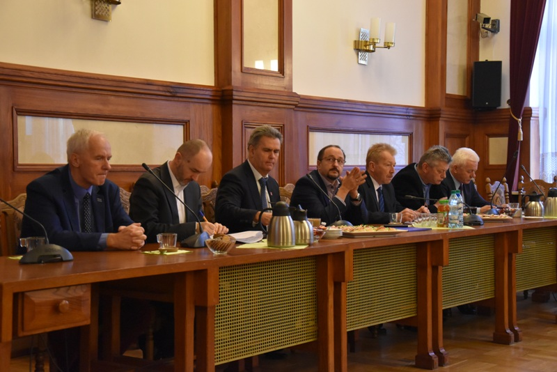 Spotkanie wójtów i burmistrzów z władzami powiatu