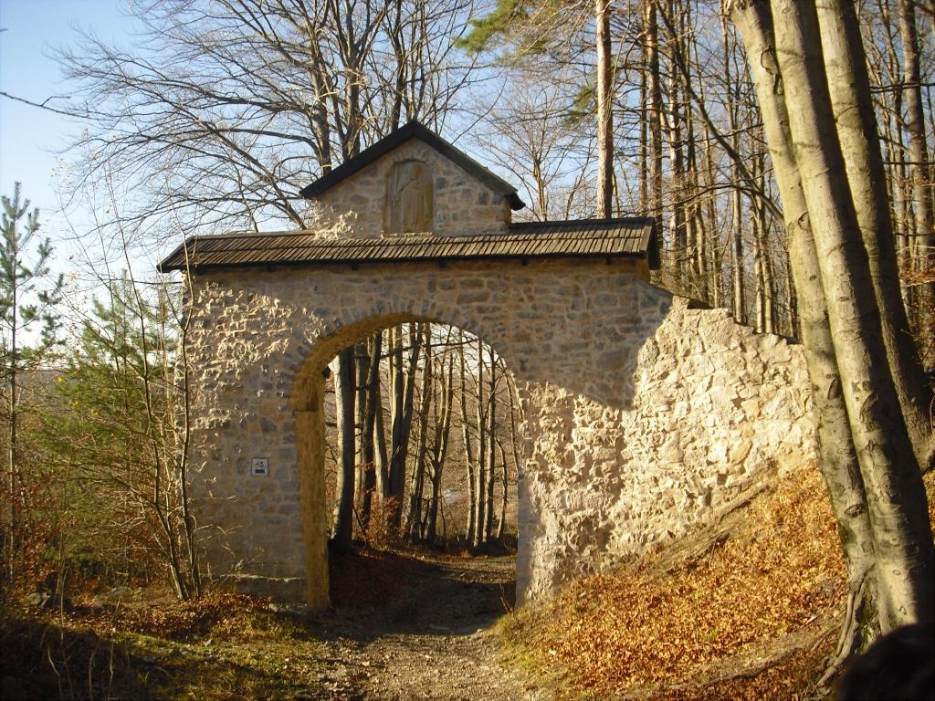 fot. Stanisława Pyrdek, Brama Siedlecka (Brama nad Kamieniołomem w Czatkowicach)