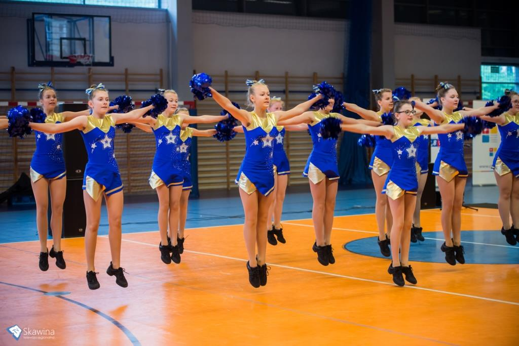 Grupa cheerlraders Galaxy Cheer