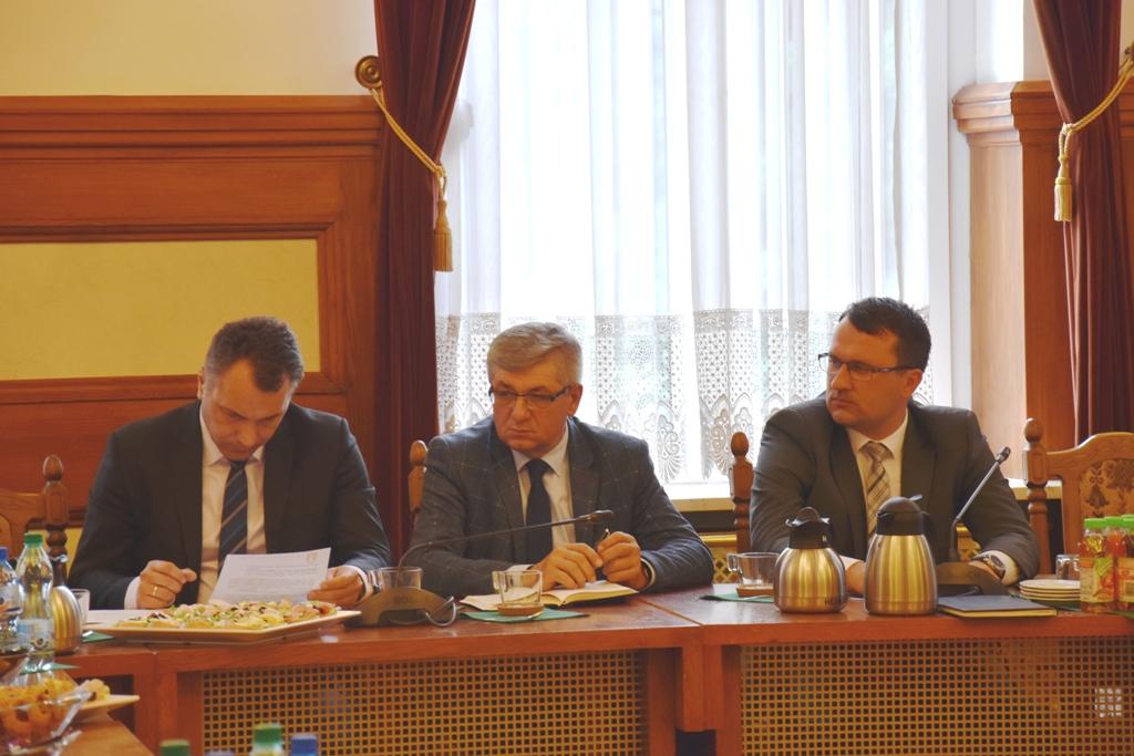 Spotkanie władz powiatu z wójtami i burmistrzami