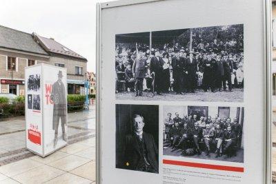 """Wystawa """"Ojcowie Niepodległości"""" w Krzeszowicach"""