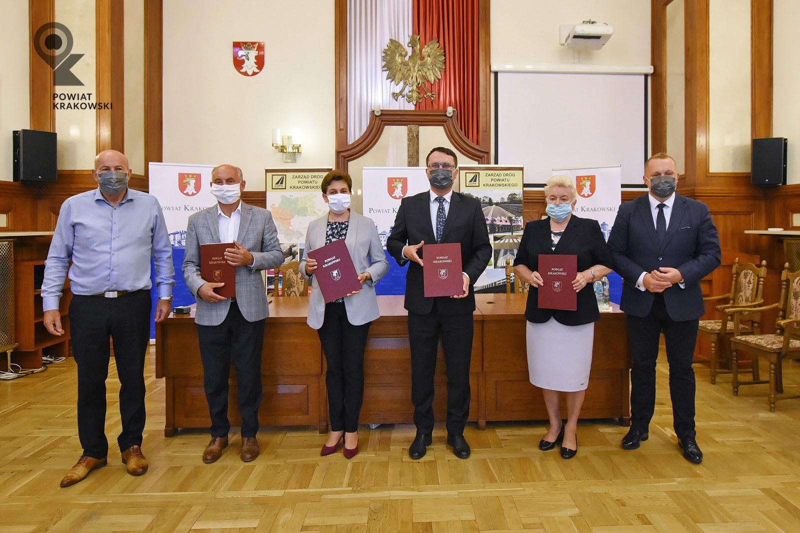 Podpisanie umowy w Starostwie Powiatowym w Krakowie 6